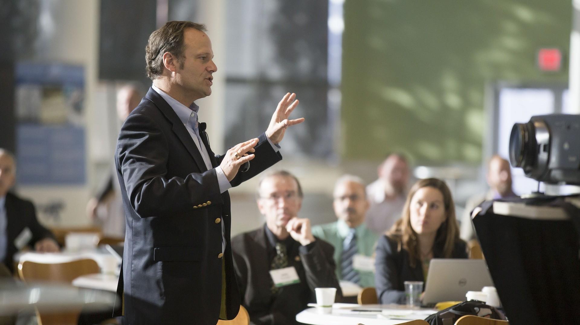 Nationale und internationale Keynote Speaker treffen auf Ärzte und Praktiker